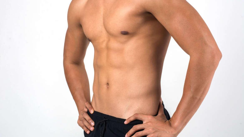 Cómo eliminar la grasa del pecho masculino